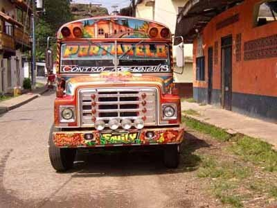 Bunter Bus in Panama